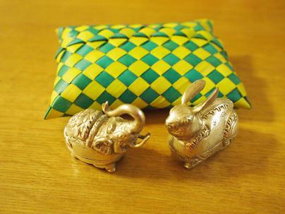 象とウサギ.JPG